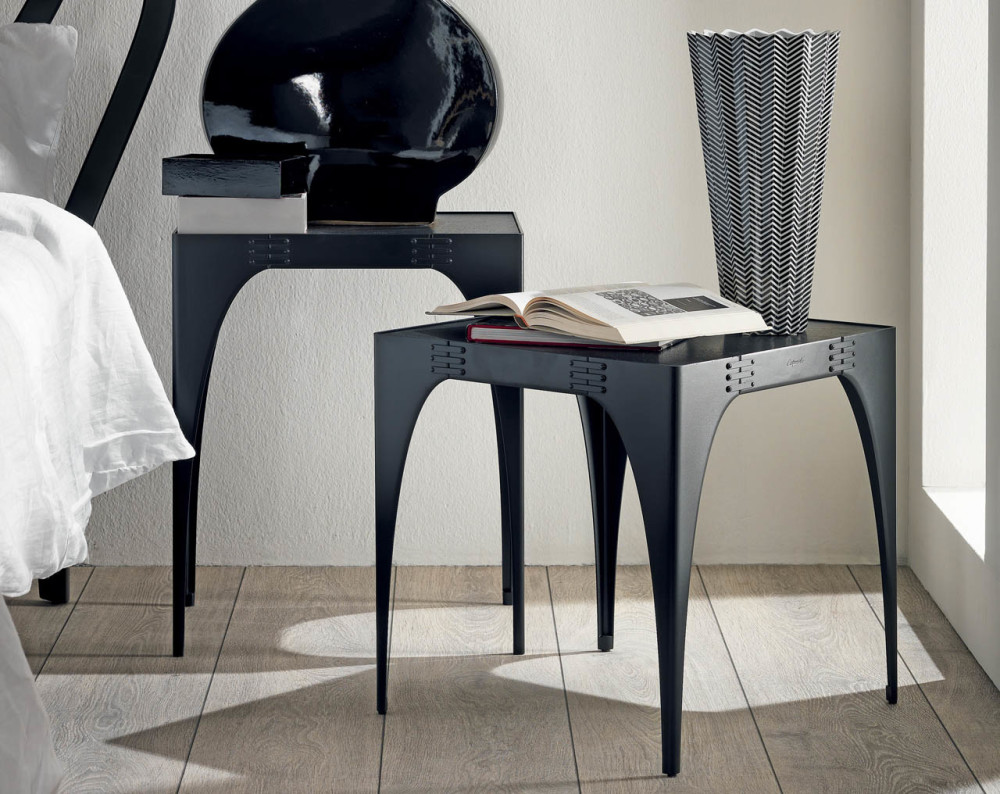 Legami nightstand