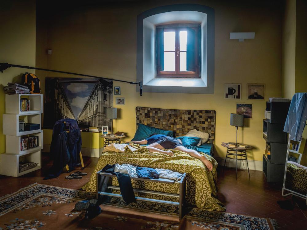 Letto-Caporali-Venas-ferro-legno-design-set-Pieraccioni-film-se-son-rose-cinema.jpg
